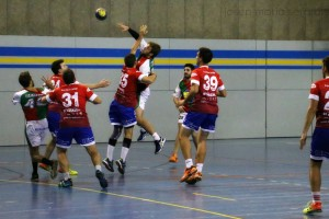 L'Handbol Berga guanya opcions de mantenir-se gràcies a la segona victòria (27-26)