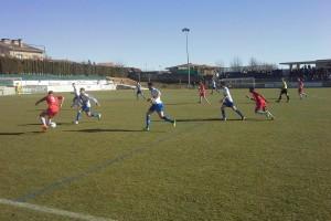 Un gol de Max Morell apropa l'Avià als líders (1-0)
