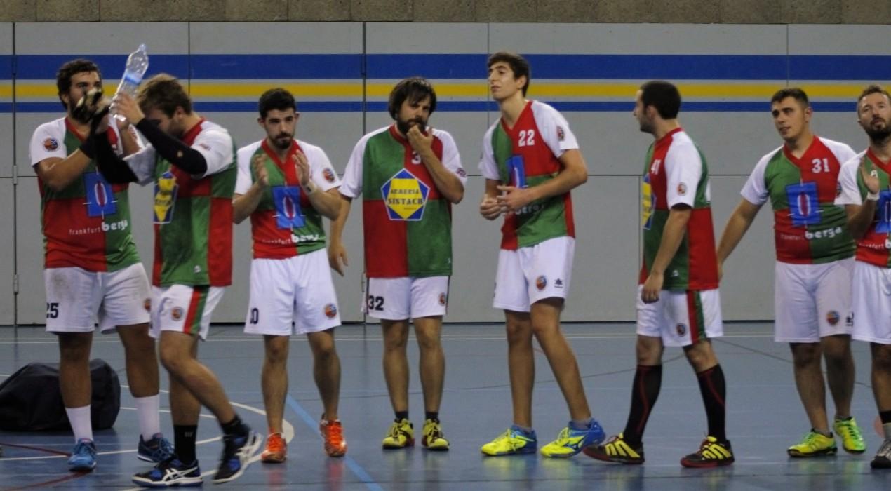Primera victòria de l'Handbol Berga, a casa d'un rival directe (27-28)