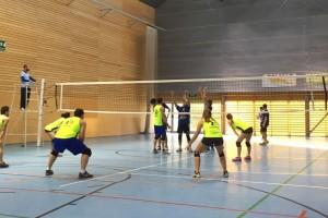 El CEB Vòlei Berga encaixa la segona derrota consecutiva (3-0)