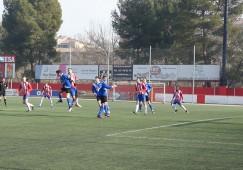 Dos gols en deu minuts tomben l'Avià en un derbi disputadíssim contra el Manresa (2-1)