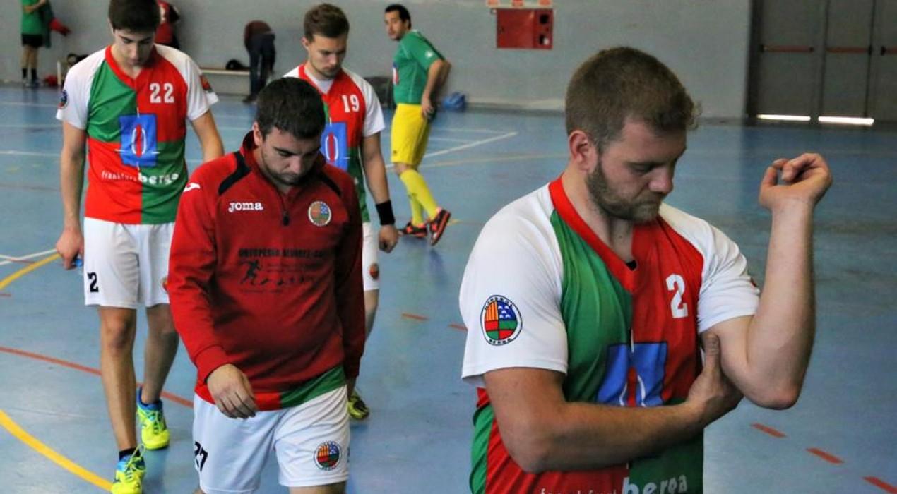 L'Handbol Berga perd una oportunitat d'encarar la permanència (21-20)
