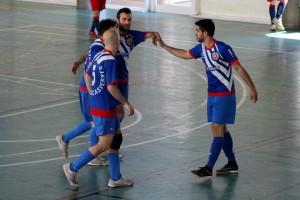 Un equip que es fa gran davant l'adversitat (1-4)