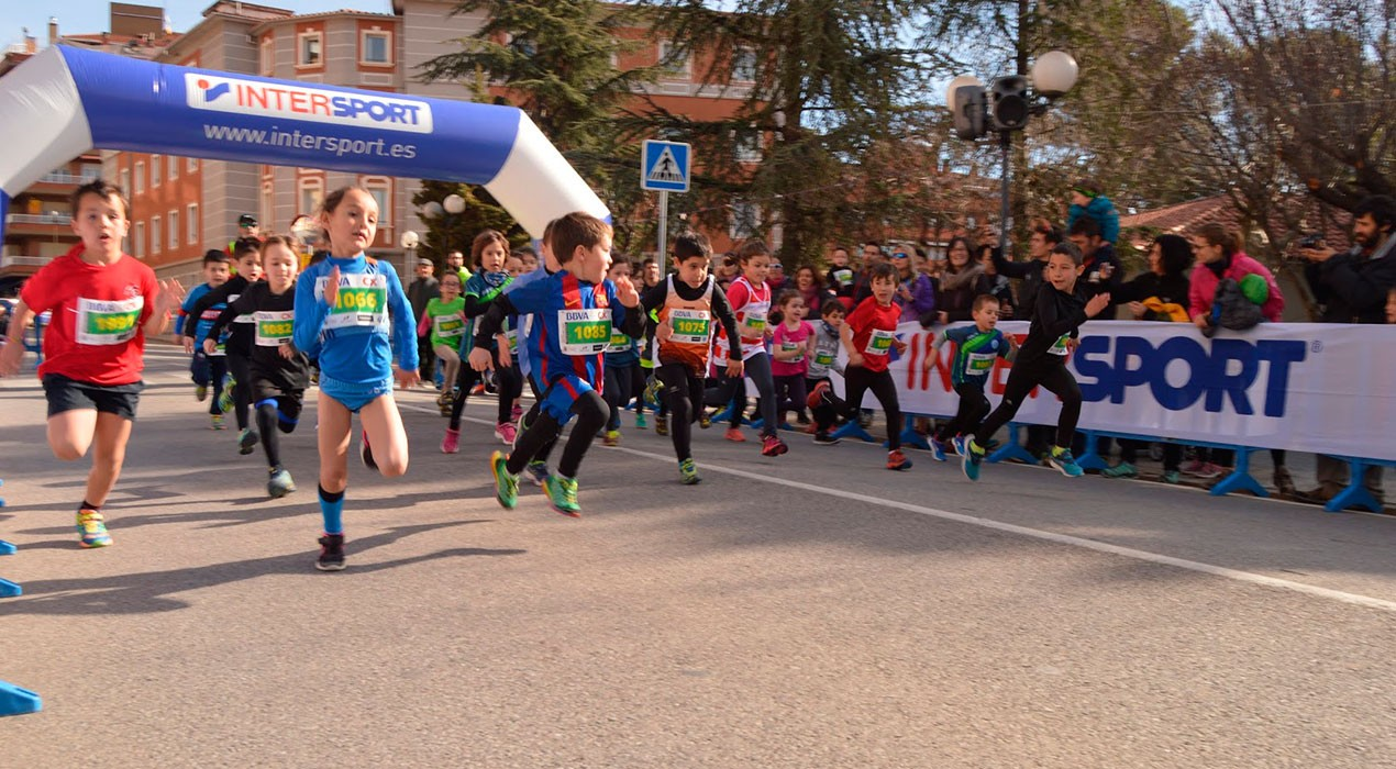 Més d'un centenar de nens i nenes disputaran la Cursa del Drac a Berga per Sant Jordi