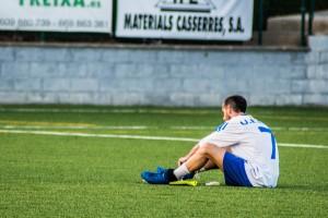 L'Avià toca fons i cau golejat a casa contra un rival directe (1-5)