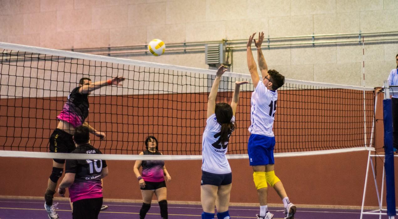 El Vòlei Berga lluita, domina i guanya (3-0)