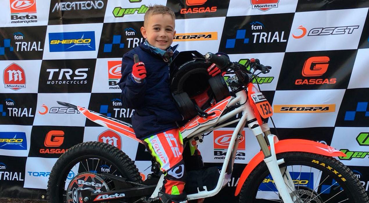 El gironellenc Grau Franch, de només 5 anys, apunta maneres a la Copa Catalana de Trial de Nens