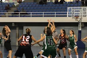 La primera victòria del Bàsquet Berga femení arriba al camp del cuer (46-48)