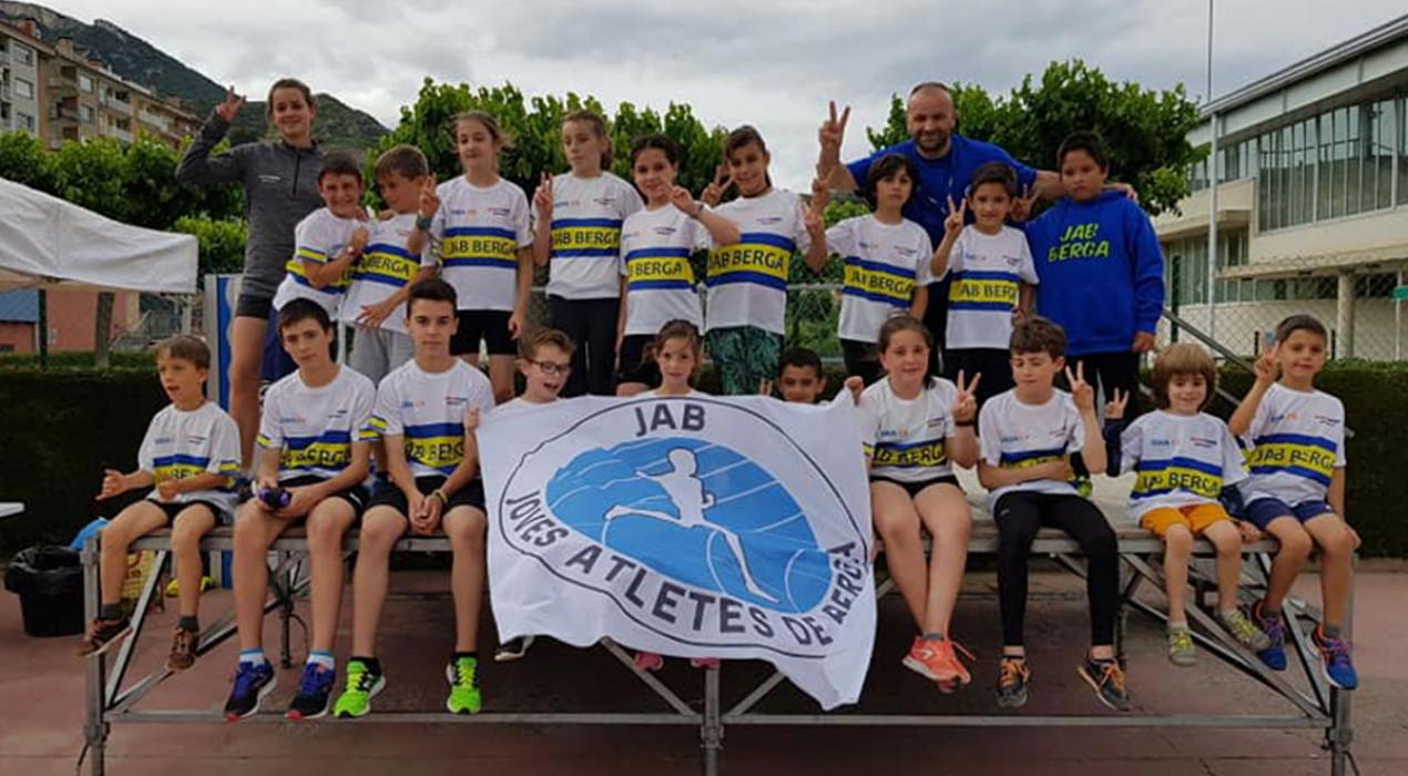 En marxa la quarta temporada de l'escola d'atletisme del JAB a Berga, que forma uns 40 infants