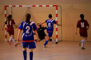 El femení del Casserres s'endú un partit obert a la pista del Castelldefels (4-5)