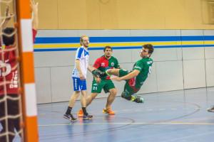 L'Handbol Berga torna a patir però segueix sense perdre (26-25)