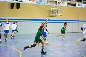 L'Handbol Berga sua de valent però es reafirma com a líder sòlid (22-19)