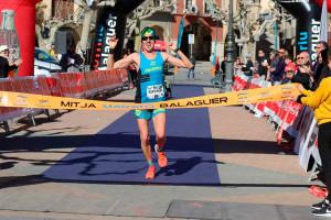 Un Xavi Tomasa brillant s'endú la Mitja Marató de Balaguer