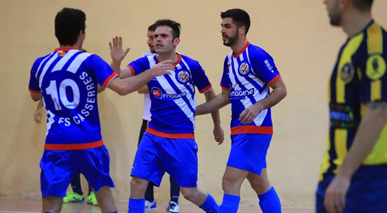 El Casserres agafa aire i deixa el Gavà amb un peu i mig a Primera Catalana (2-4)