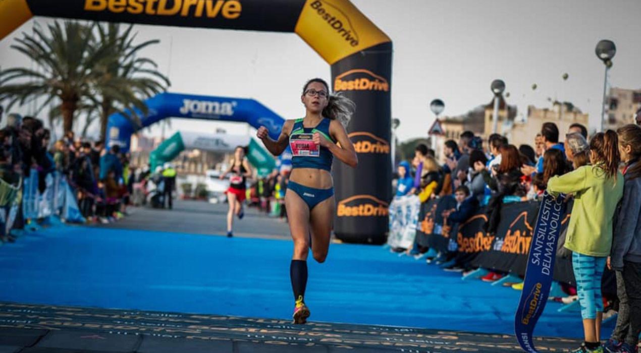 Núria Cascante esmicola la millor marca de la història de l'atletisme berguedà en una cursa de 10km