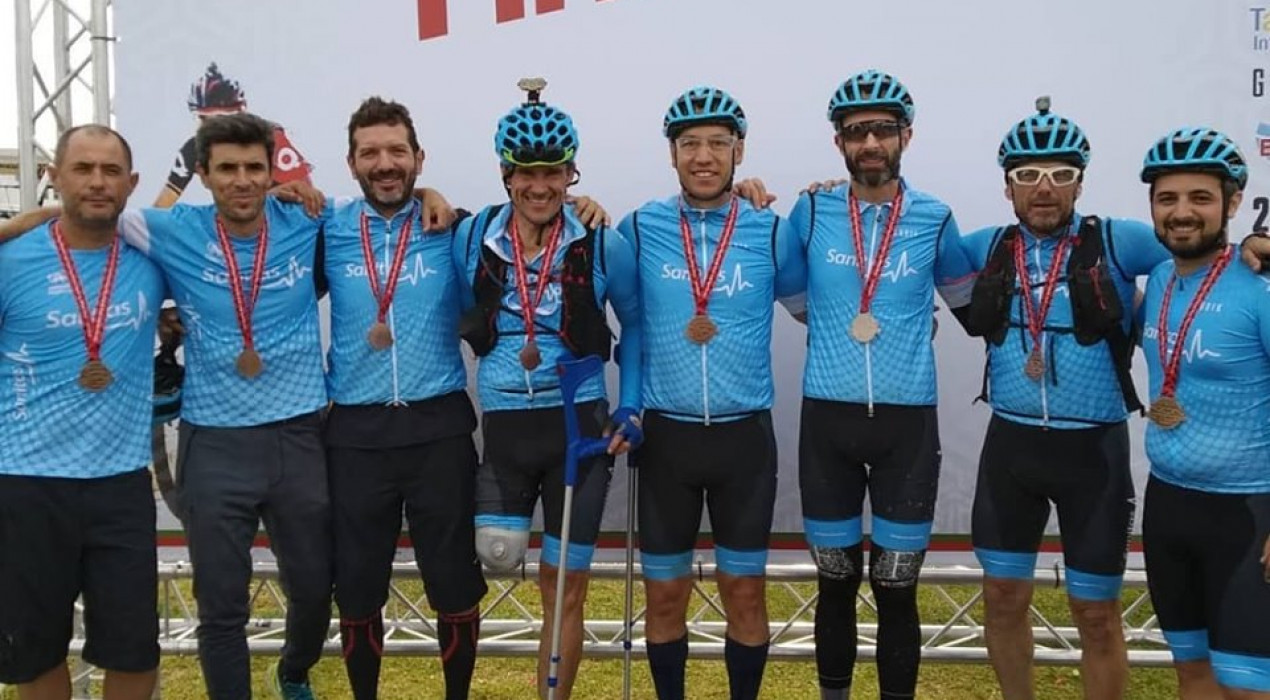 Xavi Caballol completa un nou repte per equips: Madrid-Lisboa en bici en menys de 47 hores